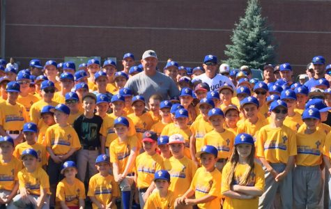 Former MLB All-Star Mike Sweeney Sets Out to be a Light to Others