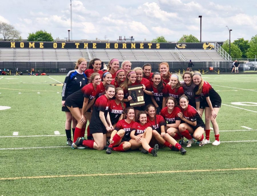 Regional+Champions%21++%0AFront+Row+%28L+to+R%29%3A+Maggie+Roche%2C+Karina+Krammer%2C+Mae+Tully%2C+Mia+Tommasone%2C+Dani+Pullen%2C+Emily+Mikitka%2C+Abby+Casmere%3B+Middle+Row%3A+Sarah+Bozych%2C+Kate+Flynn%2C+Gracie+Chalkey%2C+Nicole+Burns%2C+Mary+Kate+Hansen%2C+Cami+Picha%2C+Jaimee+Cibulka%2C+Eva+Frantzen%2C+Katie+Lewellyan%3B+Back+Row%3A+Molly+Walsh%2C+Mia+Ullmer%2C+Kayla+Brannigan%2C+Paige+Neri%2C+Brooke+Pullen%2C+Mary+Kate+Wilhelm%3B+Not+Pictured%3A+Ava+Rogers%0A